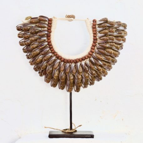 Medium Papuan Seashells Necklace Ivory