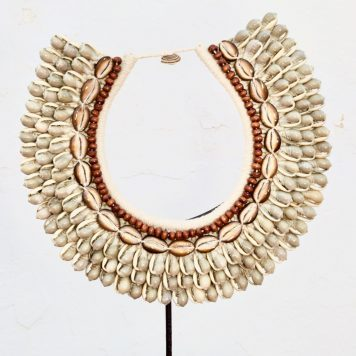 Large Papuan Seashells Necklace